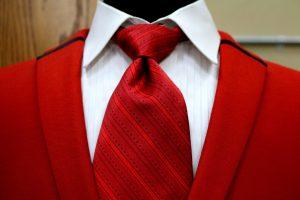Der Dimple als kleines Grübchen in der Krawatte.