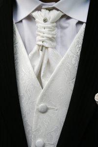 Besondere Krawattenknoten und wie man sie bindet.