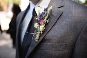 Zur Hochzeit gilt es die richtige Hochzeitskrawatte zu wählen und tragen.