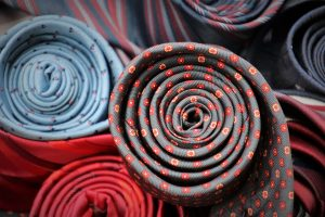 Die Farbe der Krawatte, wofür sie steht.