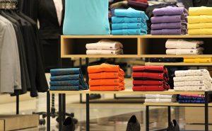 Richtig gekleidet, worauf man bei der Wahl von Anzug, Hemd und Krawatte achten sollte.